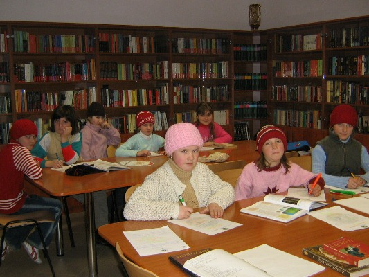 Biblioteca for Case in stile missione